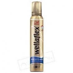 WELLA Мусс для укладки волос объем до двух дней сильной фиксации Wellaflex 200 мл