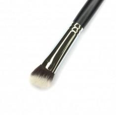 Кисть плоская MAKE-UP-SECRET 745 для коррекции жирными текстурами (нейлон) 745